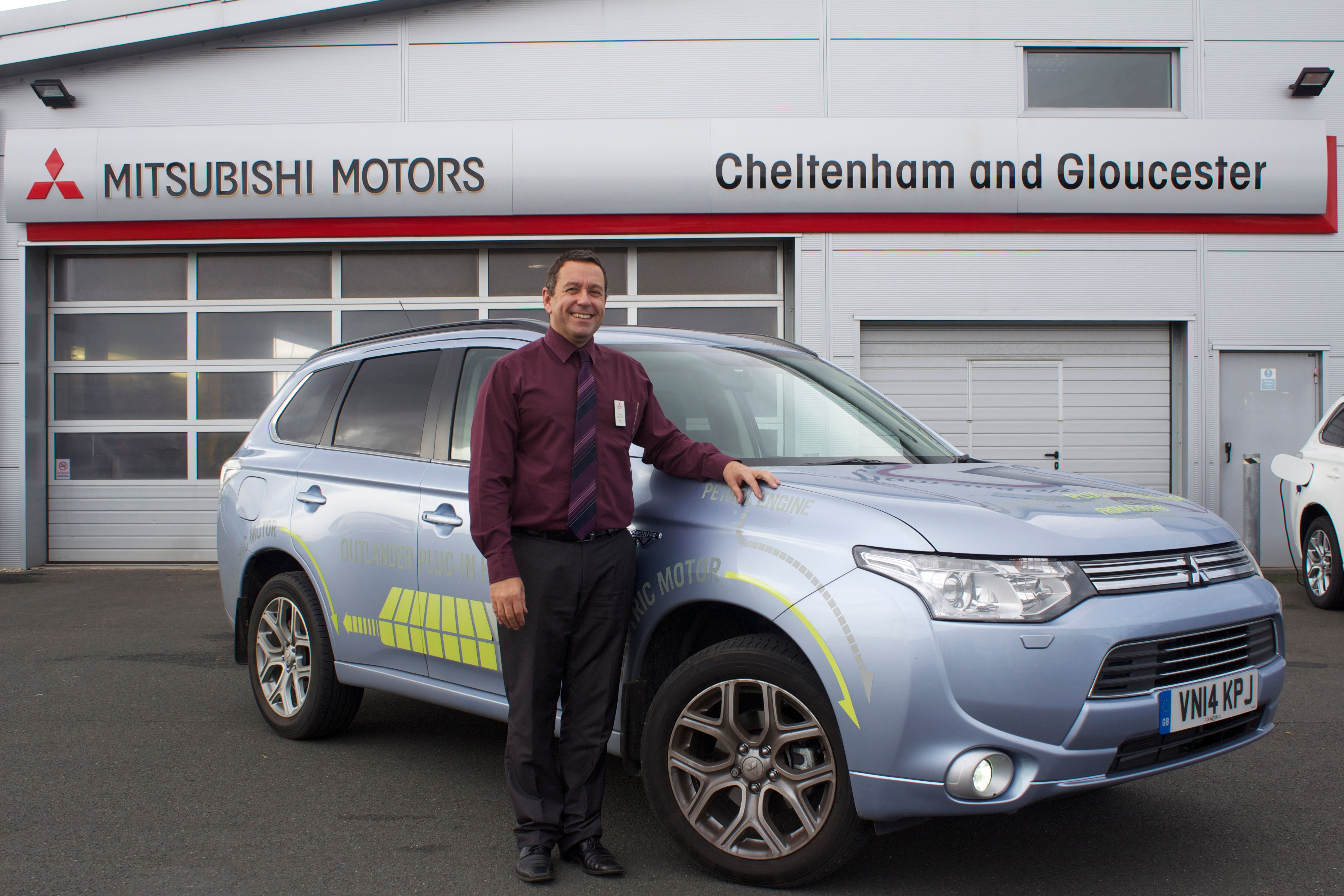 MITSUBISHI DEALERSHIP WELCOMES PLANS TO INTRODUCE MORE CHARGING POINTS IN CHELTENHAM AND GLOUCESTER