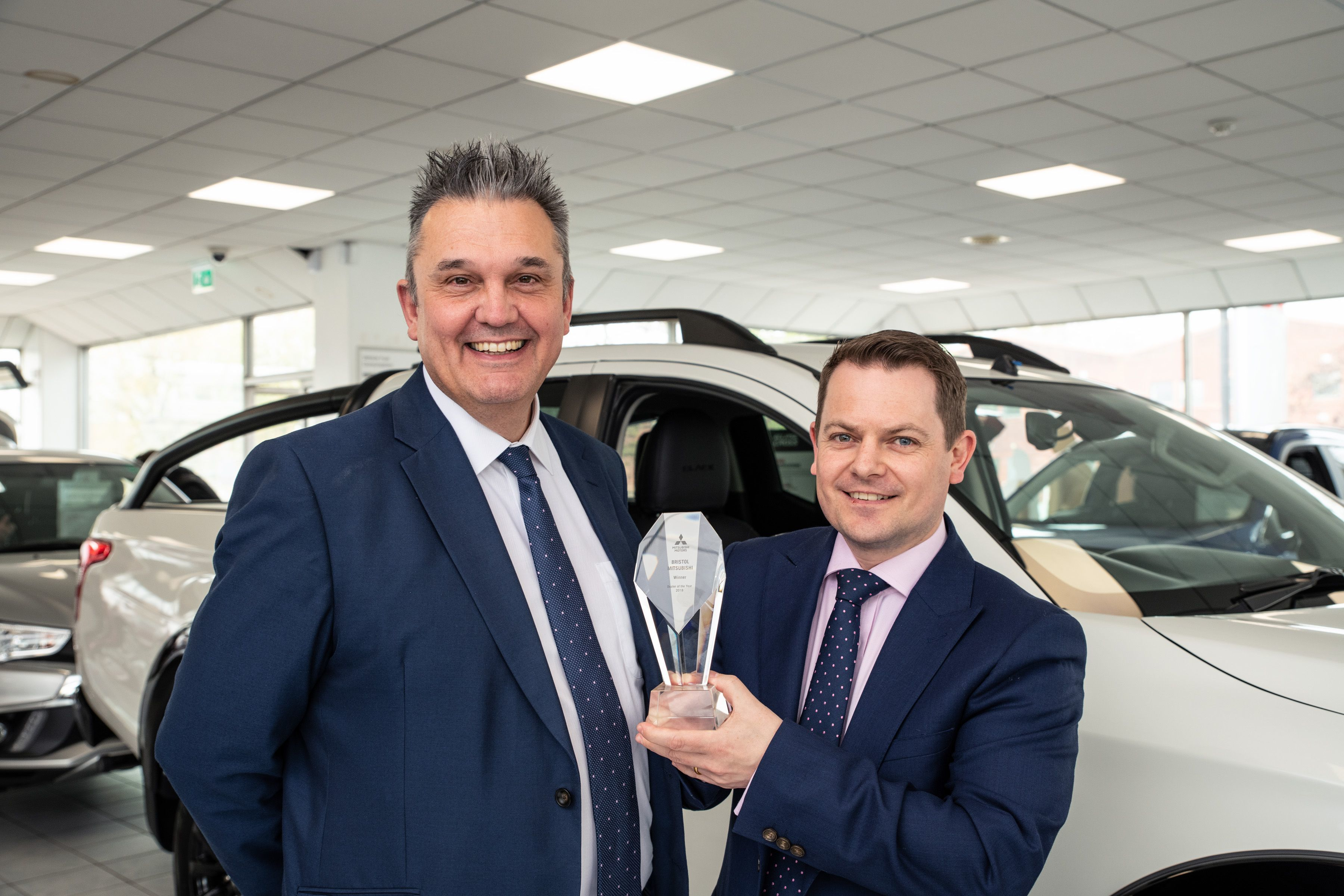 BRISTOL MITSUBISHI NAMED DEALER OF THE YEAR BY MITSUBISHI MOTORS IN THE UK